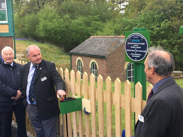 KINGSCOTE PLAQUE UNVEILED
