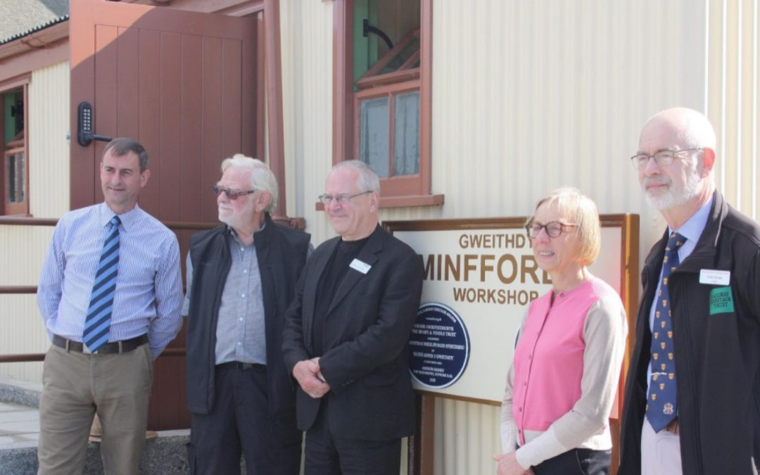 Tribute made to Ffestiniog volunteer as plaque at Minffordd unveiled